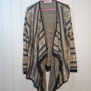 Boho chic fashioable throw over. Size XL